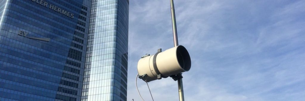 Boxe TimeLapse Go' devant la tour Euler Hermès - La Défense